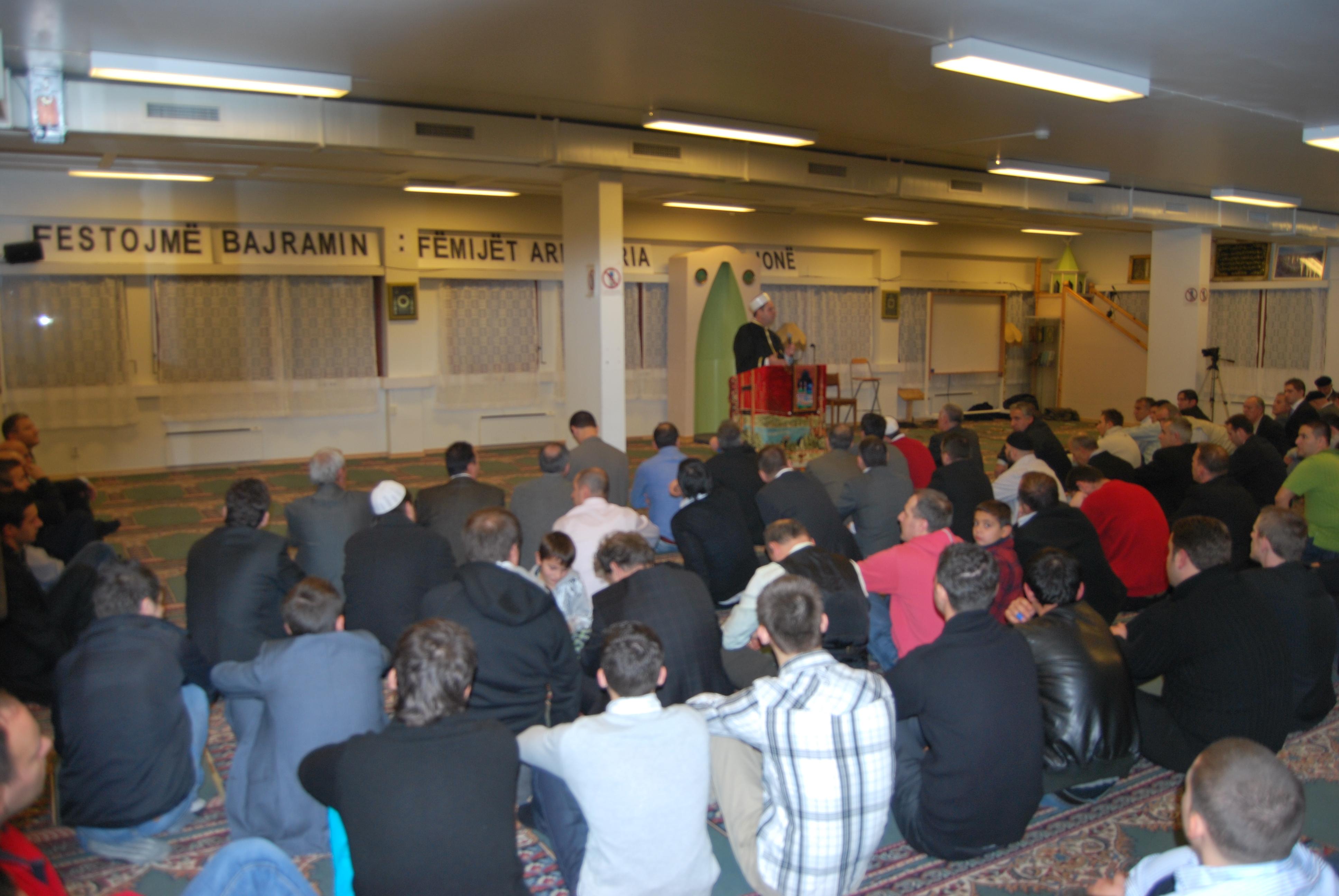 Xhamija në  Oslo-falja e namazit të Kurban Bajramit